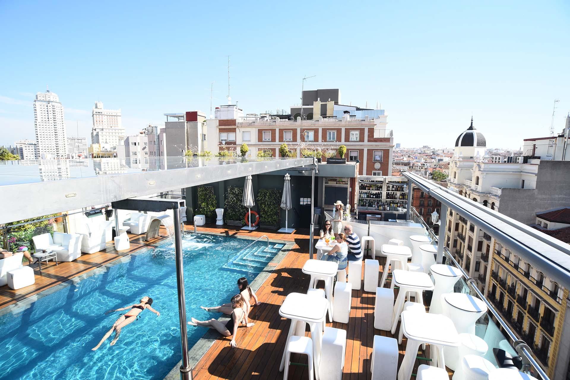 Terrazas con piscinas en Madrid, la capital a tus pies